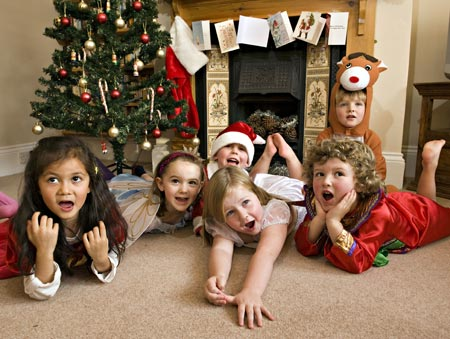 kids-christmas-day-enjoying